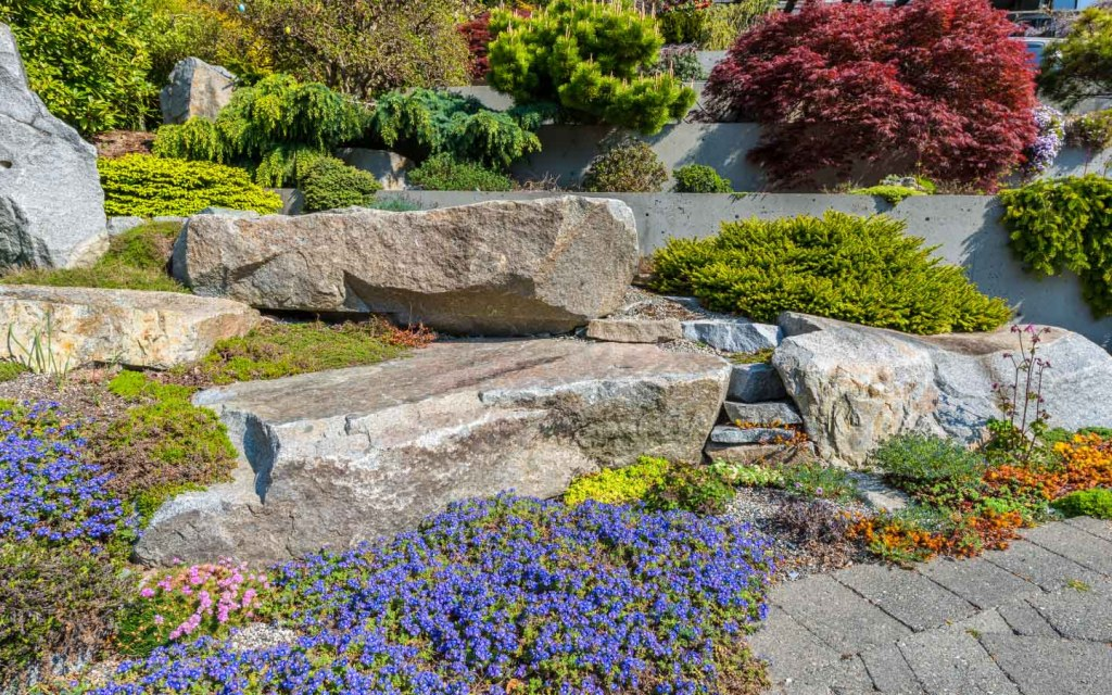 Have a step-wise front garden to add the wow factor to your house