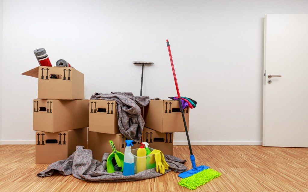 clean your house before leaving