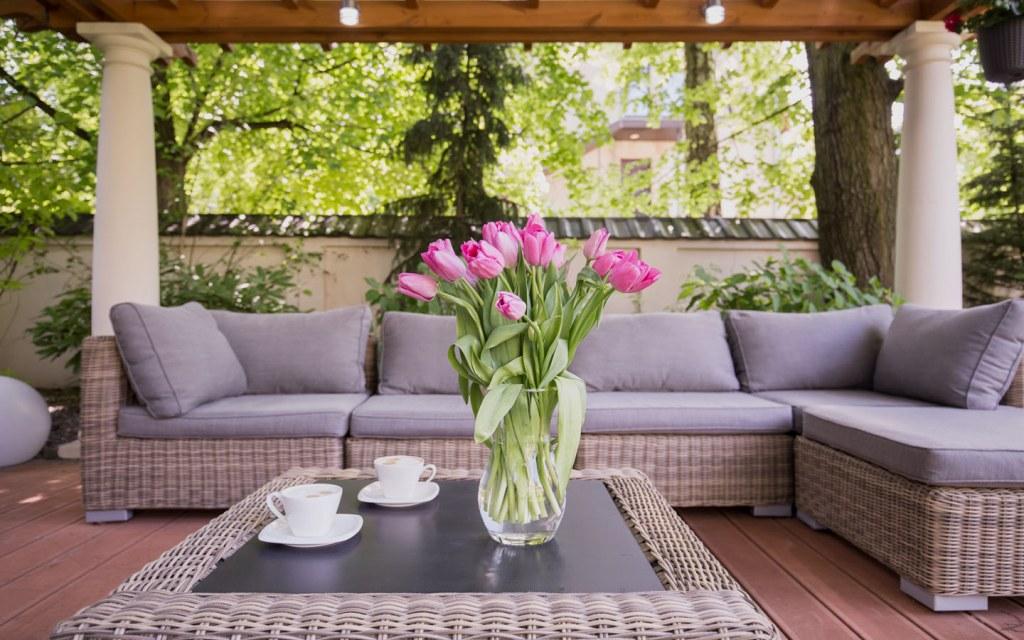 thematic patio decor