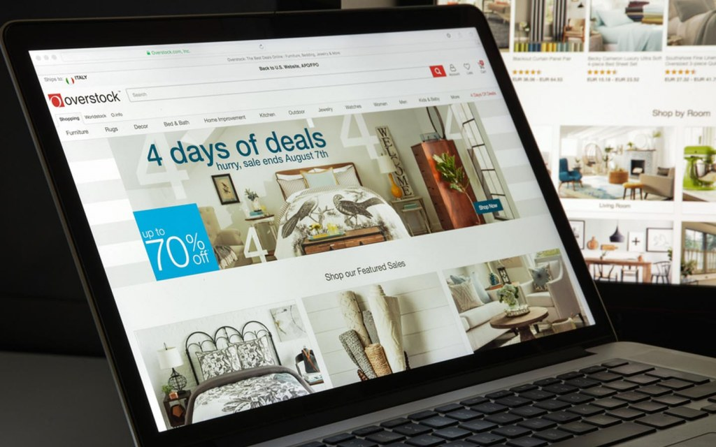Online retailers often offer sale and discounts during holiday season