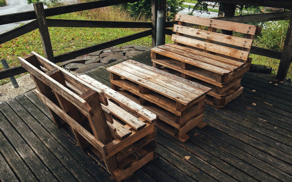 Make garden and table chair set