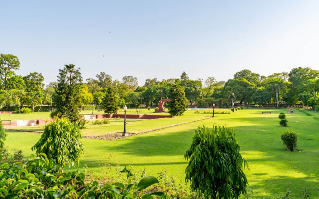 best parks in Lahore for picnic