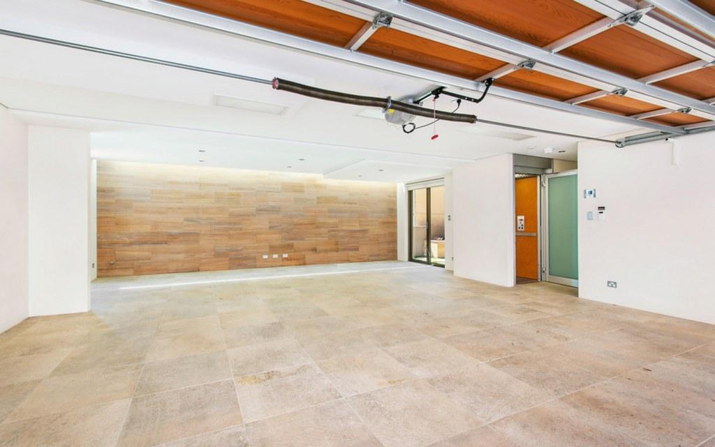 vinyl flooring for garage