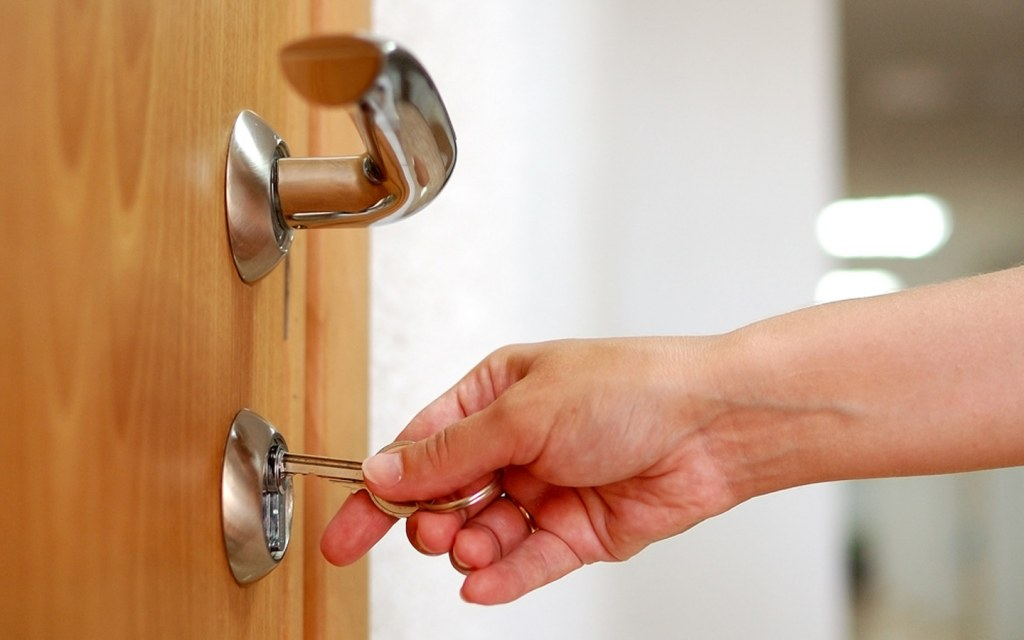 Avoid searching for keys at the door
