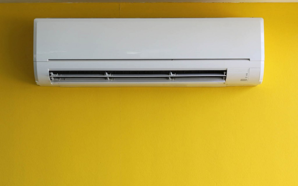 Differences between Inverter AC and Normal AC