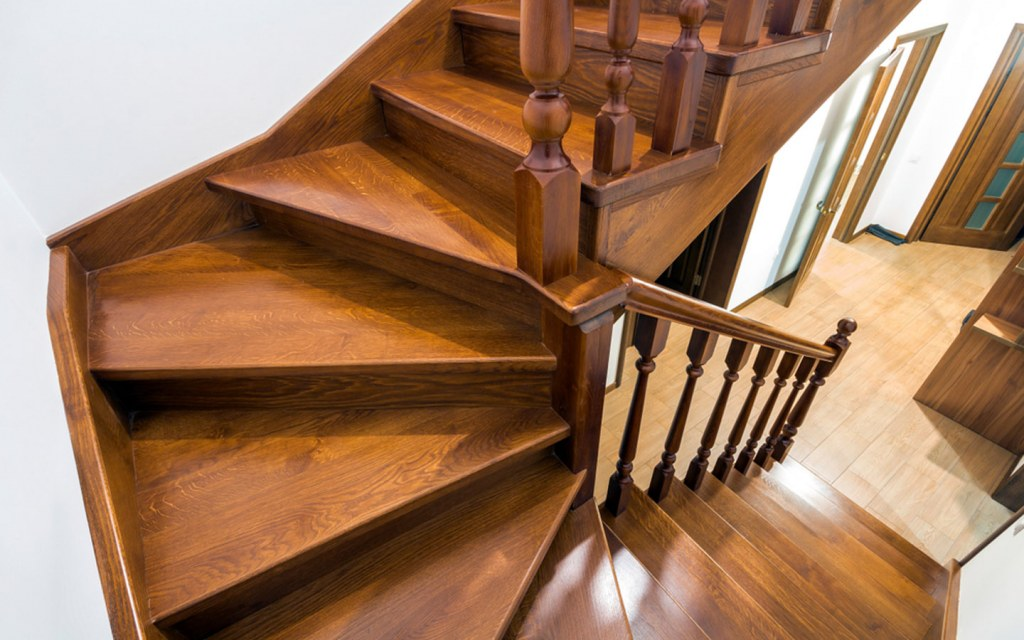 Winder Stairs have wedges at the turn