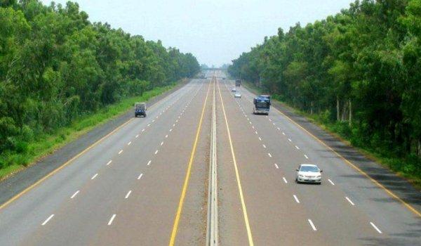Lahore-Karachi motorway to be completed in 3.5 years