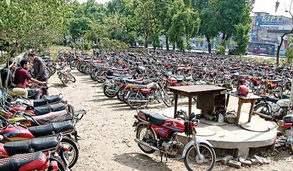 Illegal parking lots in Lahore